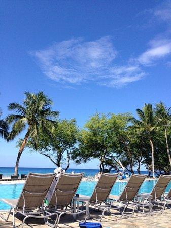 Hapuna Beach Prince Hotel: プールサイド