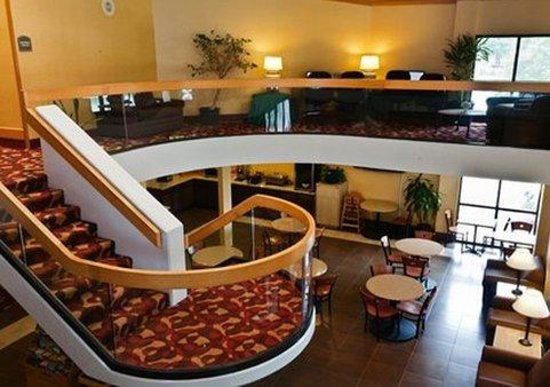 Econo Lodge Inn & Suites : Recreational Facilities