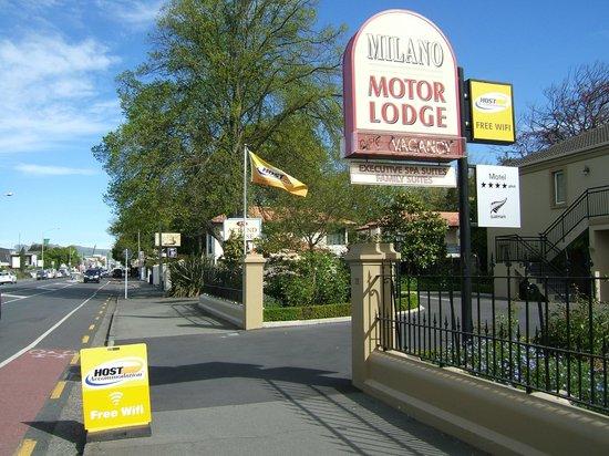 Milano Motor Lodge: Street frontage