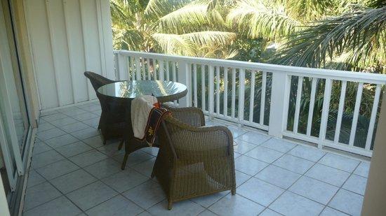 Paradise Beach Hotel: Patio