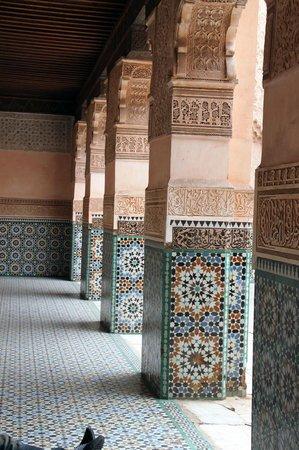 Ali Ben Youssef Medersa (Madrasa) : colonnes Sculptées