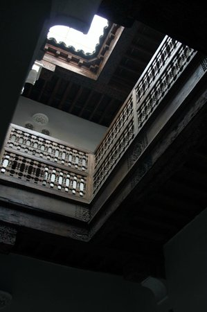 Ali Ben Youssef Medersa (Madrasa) : escalier Sculpté