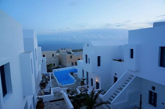 Oia's Sunset Apartments: Nice view from room13