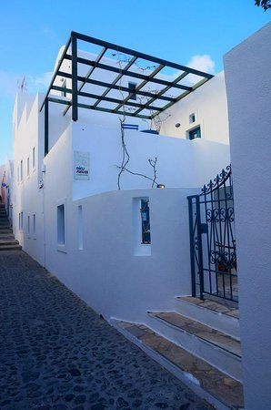 Oia's Sunset Apartments: entrance of Oia's Sunset