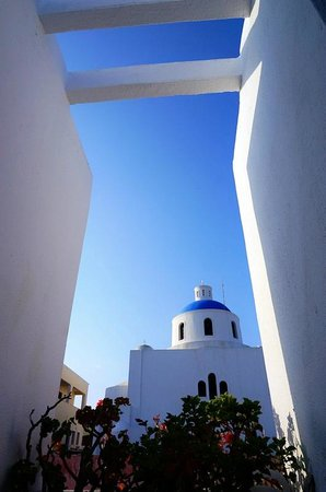 Oia's Sunset Apartments: akathistos church at room13