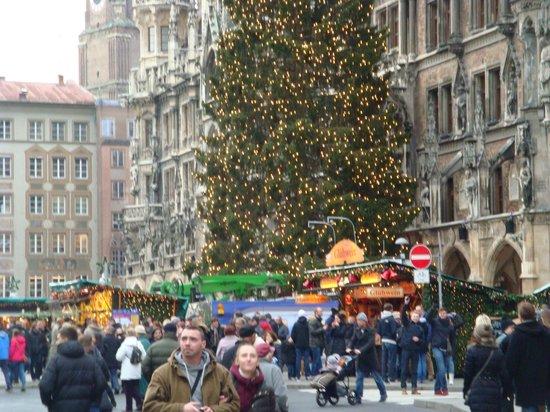 Marienplatz: хорошо и красиво