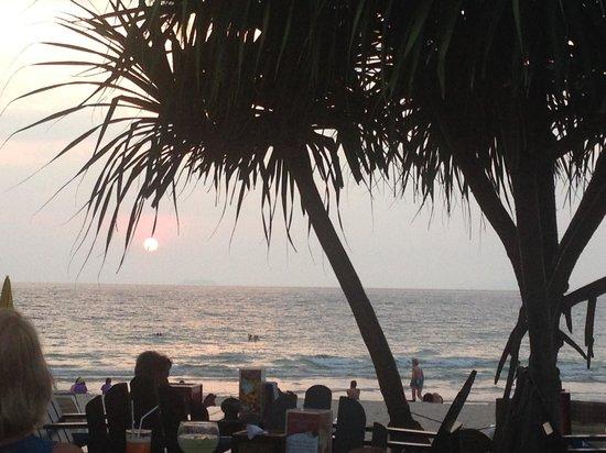 Lanta Castaway Beach Resort: Sunset