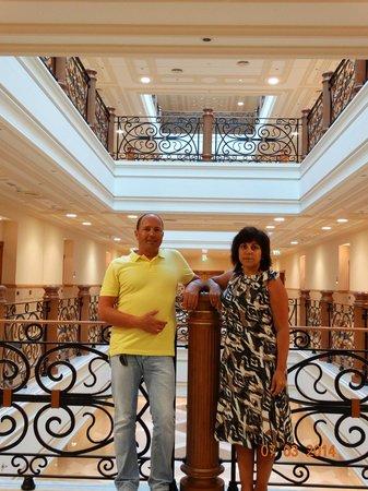 Al Hamra Residence & Village: холл этажа