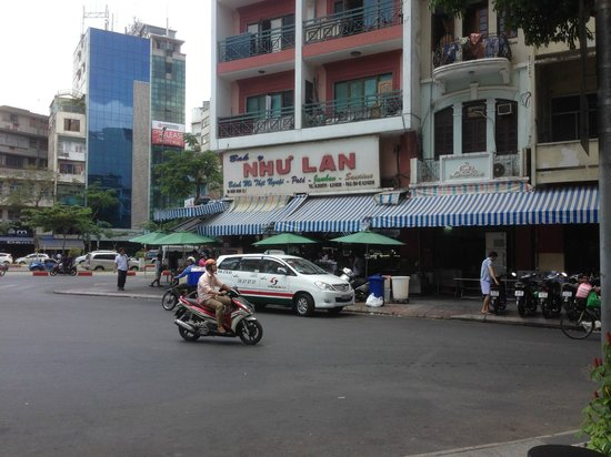 Ben Thanh Market : The name of the Cafe/Shop