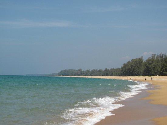 Mai Khao Beach: Пляж
