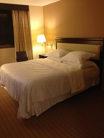 Sheraton Clayton Plaza Hotel St. Louis: Sweet Sleeper king