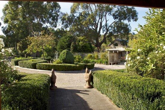 Roosters Rest garden