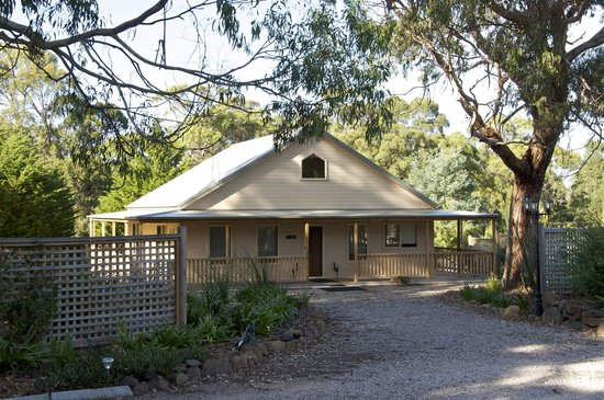 Roosters Rest: Welsumer Lodge