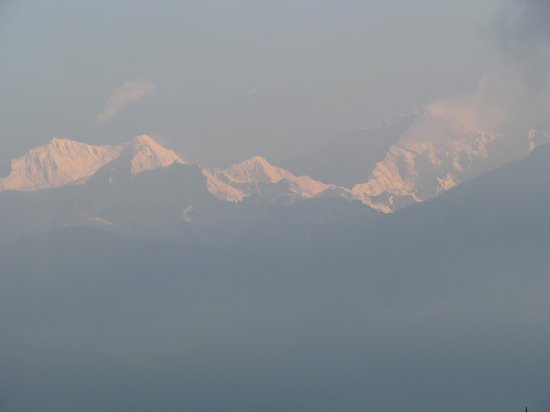 Cherry Village Resort : view from Darjeeling summit hotel