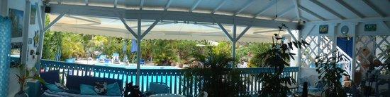 Cap Sud Caraibes: Vu sur la piscine depuis le lieu de petit déjeuner