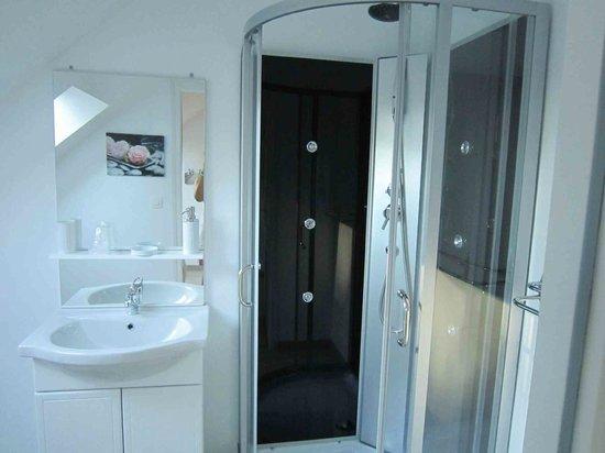 Les Chambres de Pascaline : Salle de bain