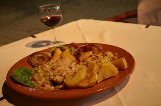 Fainos Restaurant: .