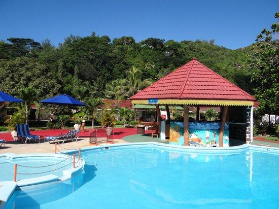 Berjaya Praslin Resort - Seychelles: piscine