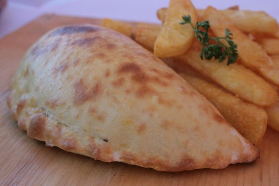 Pico's Restaurant Plettenberg Bay: Pizza Pockets are Calzone styled Pizzas