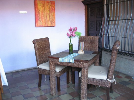 Hostal El Momento: Sitting area