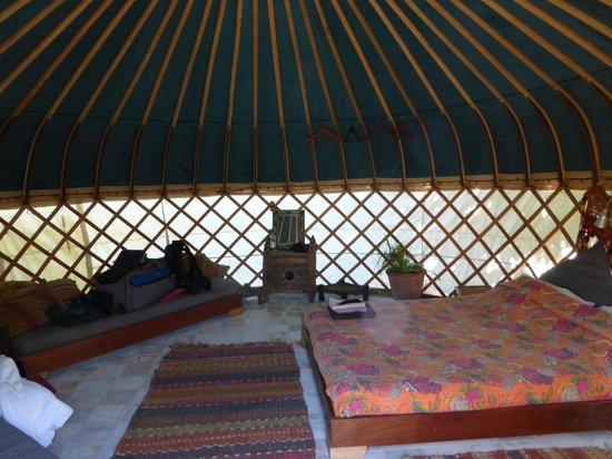 Yurts Tarifa: inside of yurt - very comfortable and good space for two