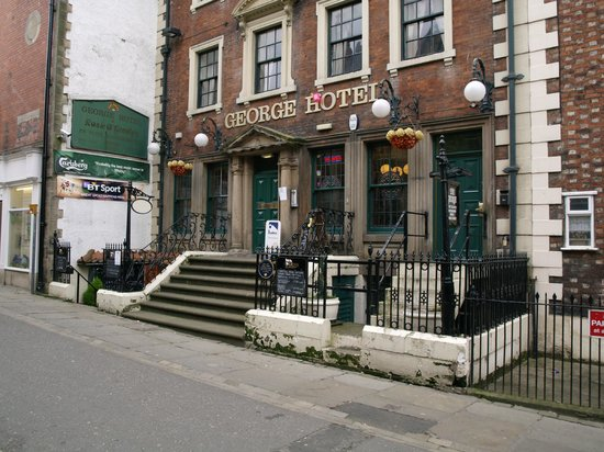 The George Hotel: Residents' door and dining entrance