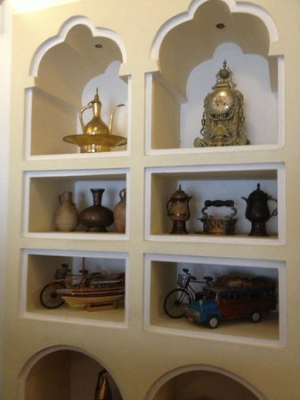 Dhow Palace Hotel : Ornaments