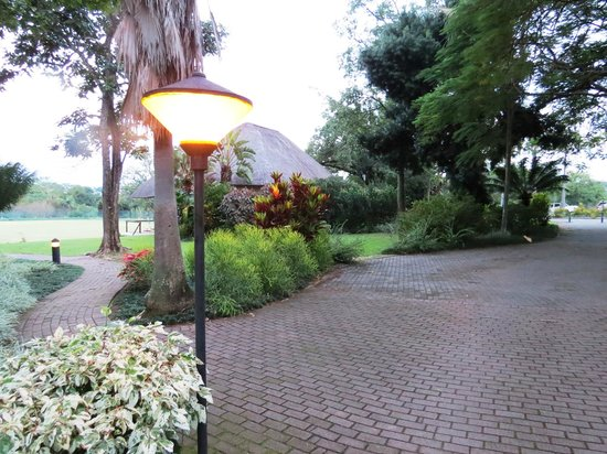 Sabi River Sun Resort : Resort Gorunds
