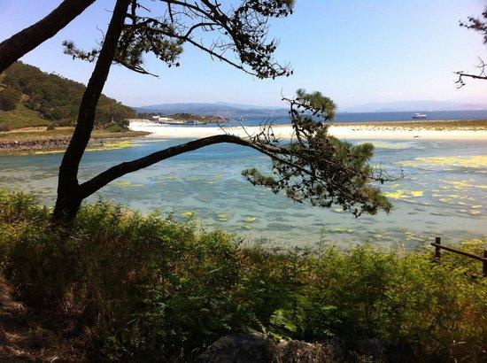 Barco Islas Cíes - Cruceros Rias Baixas: Laguna y mar al fondo. Islas Cíes.