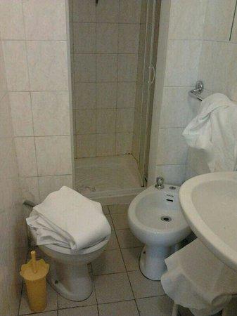 Hotel Ferretti: Il bagno