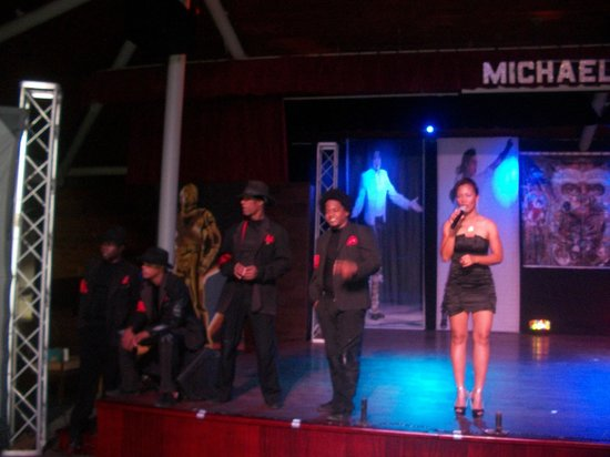 Barcelo Bavaro Beach - Adults Only : Spectacle Mickael Jackson