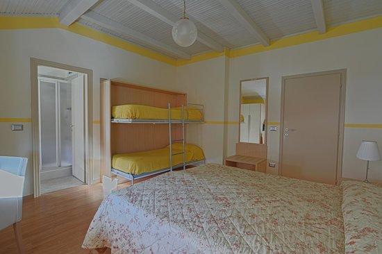 Hotel Europa: Family room