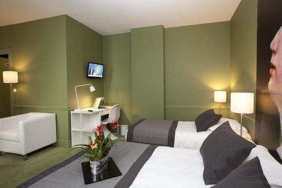 Hotel Cecyl: CHAMBRE SUITE CONFORT