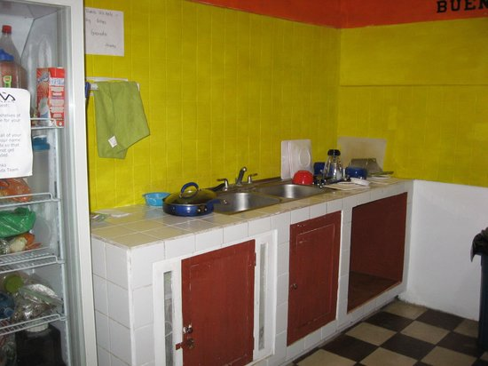 GM Granada Hostel: Kitchen
