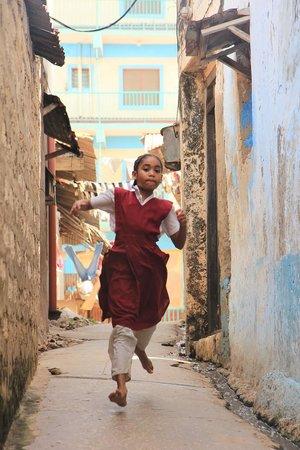 Baitul Noor House - Lamu Backpackers : Late for school!