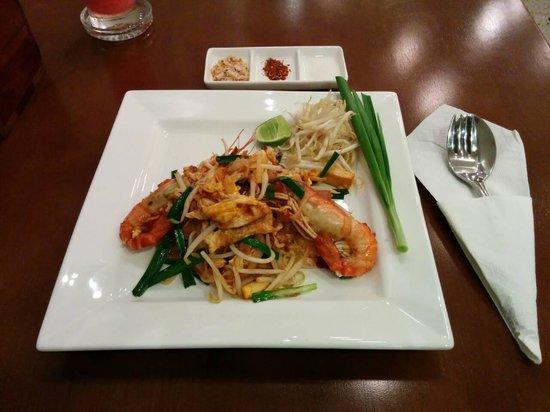 Nalin Kitchen: Real Pad Thai