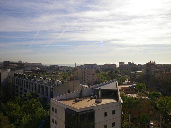 H10 Marina Barcelona Hotel : Vue de la piscine au 8ème étage