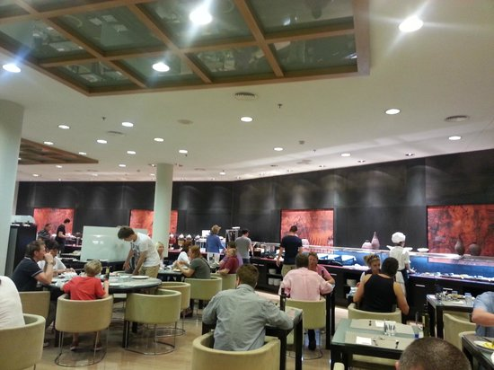 H10 Marina Barcelona Hotel : Salle du petit déjeuner