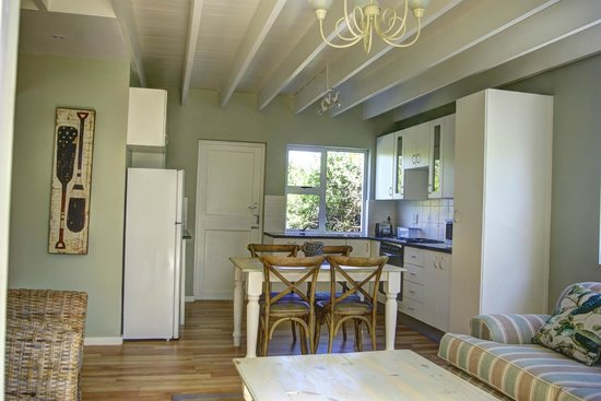 Cape St Francis Resort: Open plan lounge and kitchen area of family cottages