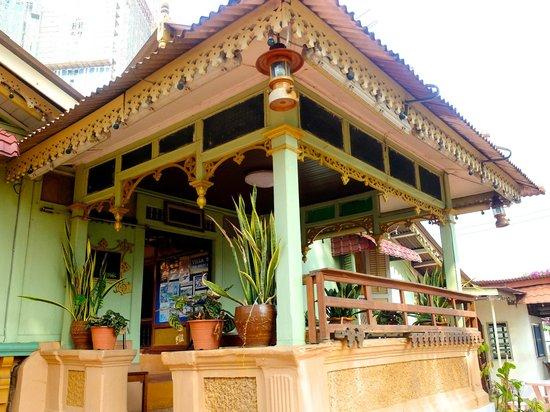 Villa Sentosa (Malay Living Museum): 外観もすてき!
