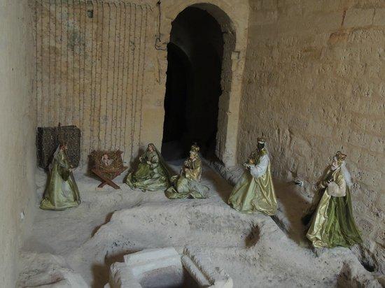 Residence Sassi San Gennaro : Presepe nella grotta accanto alla sala colazione