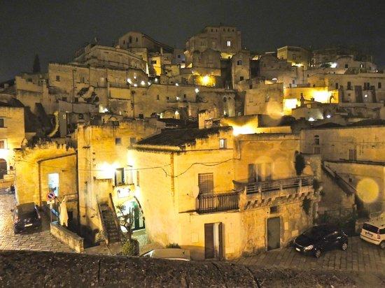Residence Sassi San Gennaro : Notturno sui Sassi