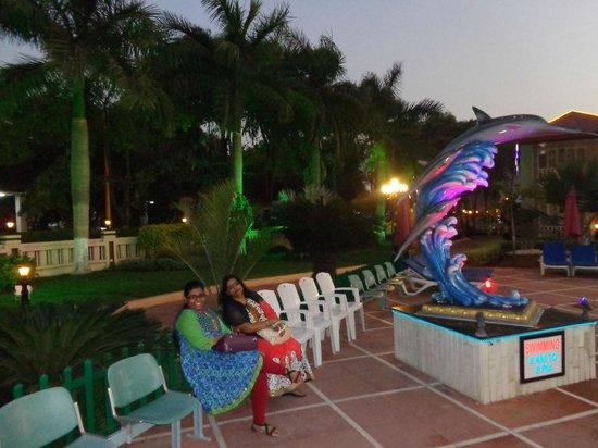 Radhika Beach Resort: NEAR THE POOL