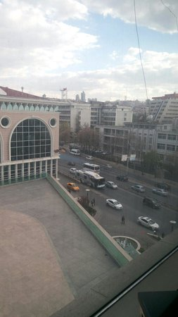 Rixos Grand Hotel Ankara: Visão do quarto.
