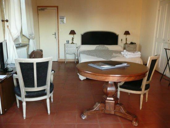 Chateau d'Arpaillargues: La chambre