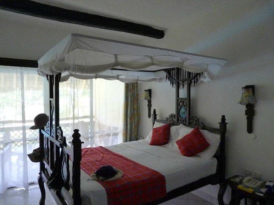 Southern Palms Beach Resort : Das schöne aber schmale Bett