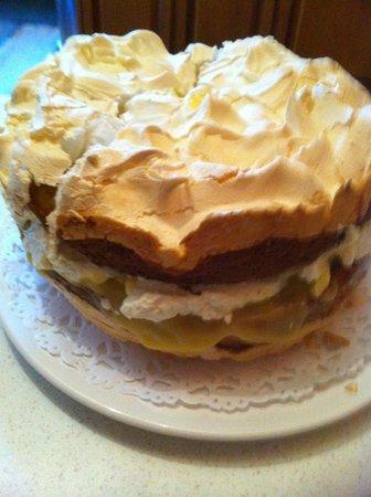 Corn Mill Tearoom: Lemon Meringue Cake