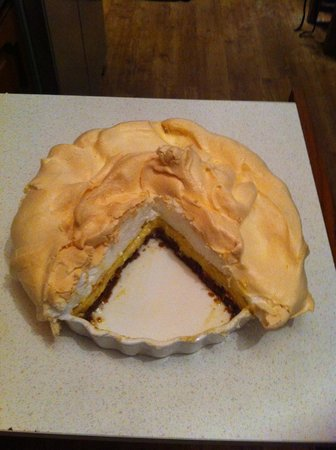Corn Mill Tearoom: Key Lime Pie