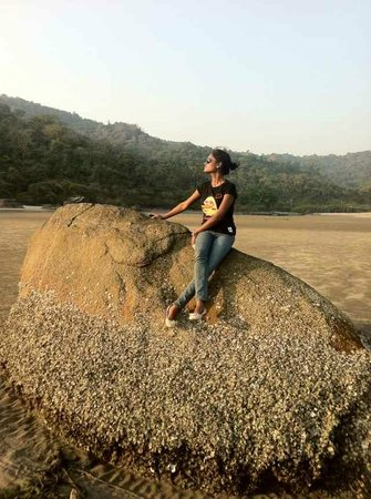 Palolem Beach: When Tide is low, here emerges the Rock..