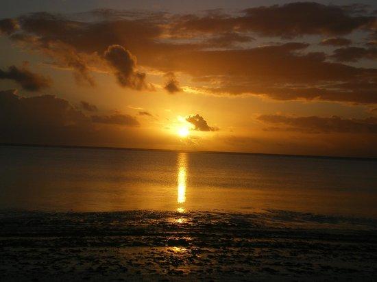 Diamonds Mapenzi Beach Club: l'alba dalla spiaggia del mapenzi- da vedere almeno 1volta